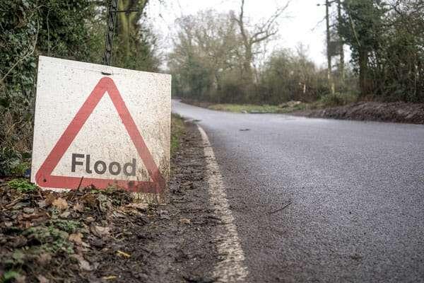 Road Flood sign